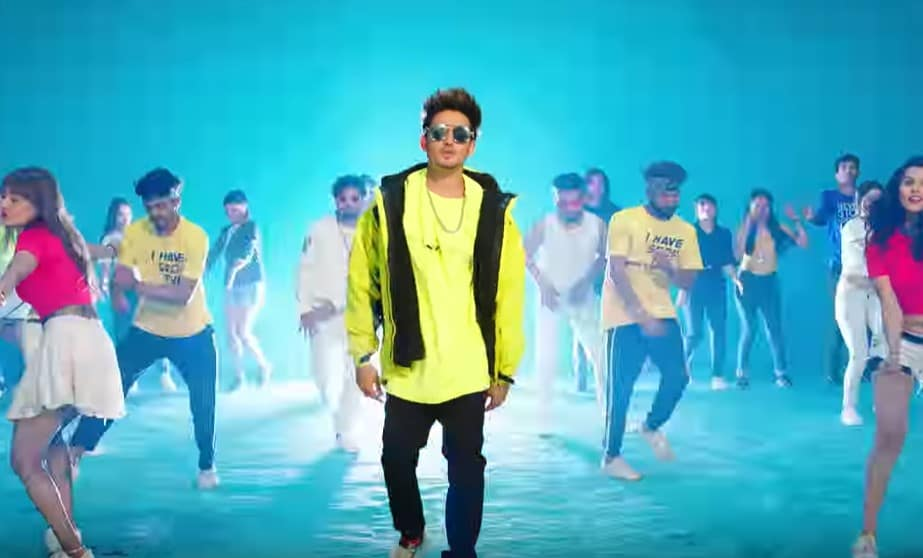 डोल्स गब्बाना Dolce Gabbana Song Lyrics Hindi - Karan Randhawa