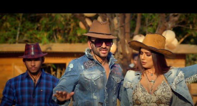 Ghar Aaya Mera Pardesi Song Lyrics Hindi - Jyotica Tangri