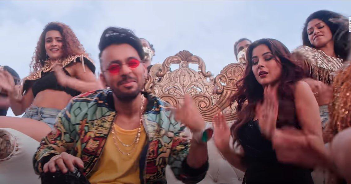 कुरता पजामा Kurta Pajama Song Lyrics In Hindi - Tony Kakkar